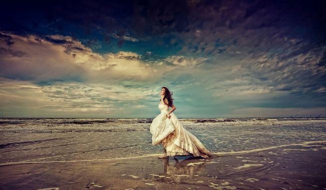Весілля на морському березі