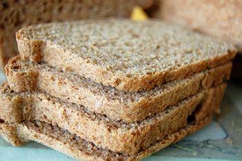 Вибираємо цільнозерновий хліб для тих, що худнуть