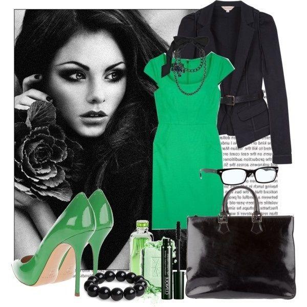 Зелену сукню і туфлі