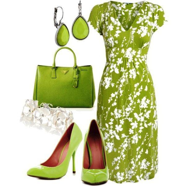 Яскрава зелень в одязі