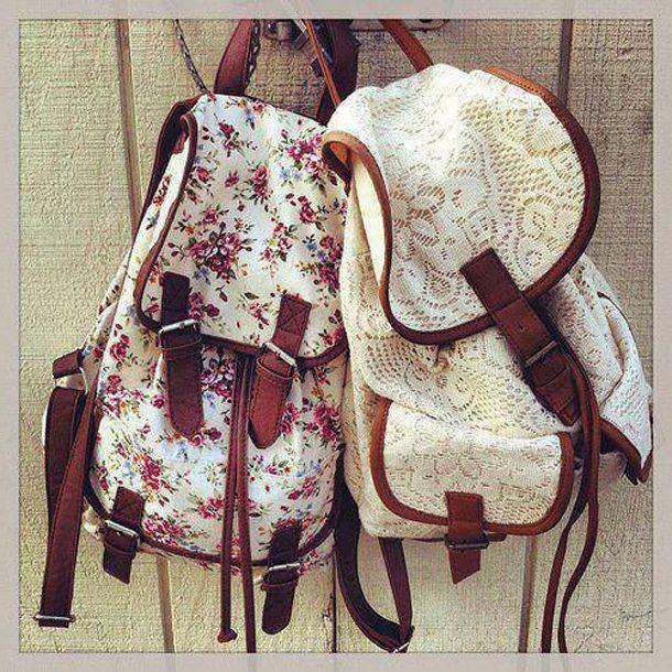 Два текстильних рюкзака