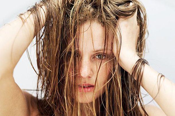 Жирне волосся: що робити?