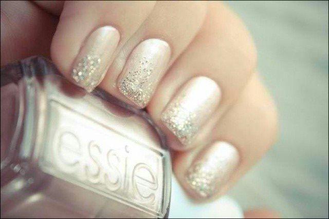 Блискітки на нігтях